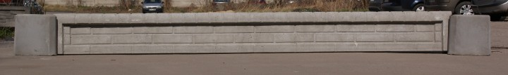 Podmurówka wzór 13B z daszkiem. Wysokość 30cm